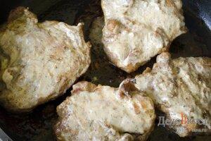 Запеченные куриные бедрышки в соевом соусе: фото к шагу 13.
