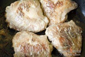 Запеченные куриные бедрышки в соевом соусе: фото к шагу 14.