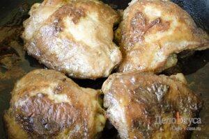 Запеченные куриные бедрышки в соевом соусе: фото к шагу 15.