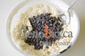 Печенье с кокосовой стружкой и шоколадом: Добавляем шоколад