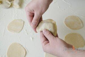 Рецепт домашних пельменей с мясом: Лепим пельмень