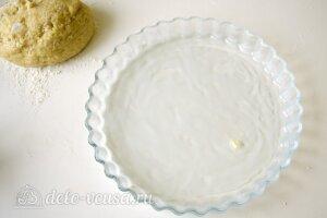 Открытый пирог с джемом: Смазать форму маслом
