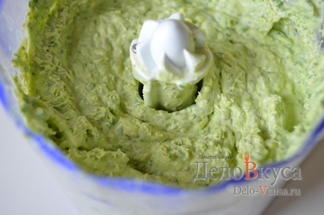 Закуска из плавленого сыра и зелени: фото к шагу 4.