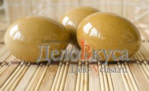 Красим пасхальные яйца в оранжево-коричневый цвет соком свеклы: фото к шагу 4