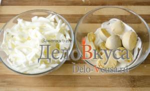 Салат из болгарского перца и ветчины: Отделить белки и желтки