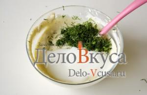 Салат из болгарского перца и ветчины: Добавить зелень и перемешать