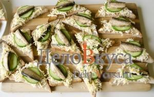 Бутерброды со шпротами: Повторяем процедуру с остальными ингредиентами