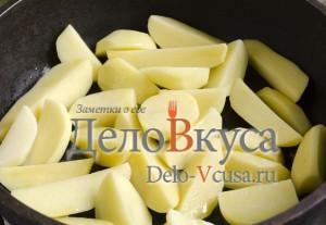 Говядина с картошкой в горшочке: Картошку обжарить