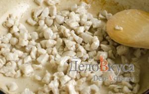 Куриный суп с плавленым сыром: Обжарить курицу