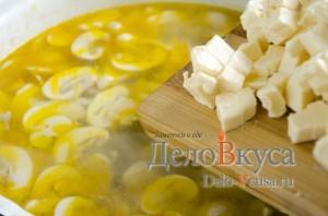 Куриный суп с плавленым сыром: Добавить сырки в кастрюлю