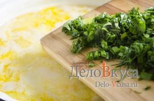 Куриный суп с плавленым сыром: Добавить зелень в суп