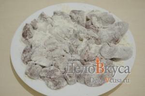 Куриная печень жареная: Обвалять печень в панировке
