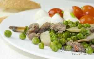Зеленый горошек с грибами и мясным фаршем на гарнир: фото к шагу 8.