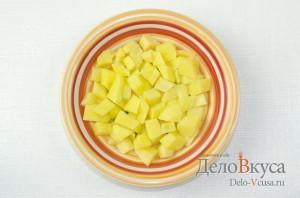 Суп с фрикадельками: Картошку очистить и порезать кубиками