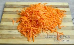 Капуста квашеная: Натереть морковку