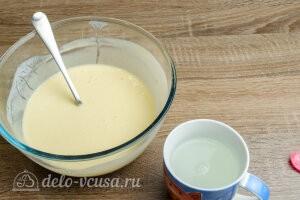 Блины на кефире: Добавить кипяток с содой