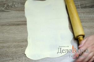 Штрудель с вишней: Раскатываем тесто для штруделя