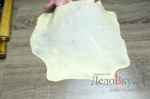 Штрудель с вишней: Растягиваем тесто для штруделя