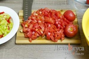 Чахохбили: Порезать помидоры