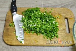 Котлеты из фарша с манкой без яиц: Зелень мелко порезать