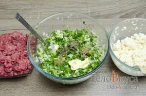 Котлеты из фарша с манкой без яиц: Добавить специи по вкусу