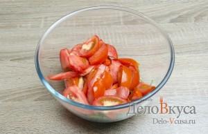 Салат с творогом и помидорами: Помидоры порезать ломтиками