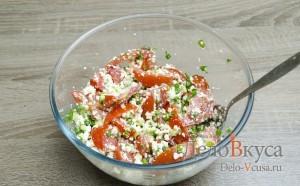 Салат с творогом и помидорами: Хорошо перемешать салат