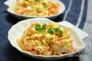 Салат с корейской морковкой, твердым сыром и яйцами: Сервируем по вкусу