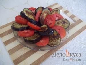 Закуска из баклажан и помидоров с чесноком: Сервировать овощи