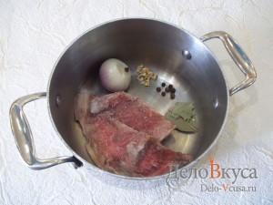 Суп с фрикадельками и яйцом: Подготовим все для бульона