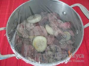 Свиной шашлык в духовке: Оставить мариноваться