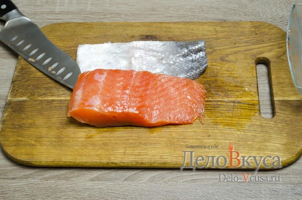 Засолка красной рыбы: Подготовить рыбу