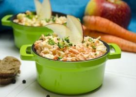 Салат из сельдерея, яблок и моркови