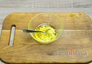 Гороховый суп: Масло смешать с солью и чесноком