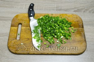Уха из головы семги: Зелень измельчить