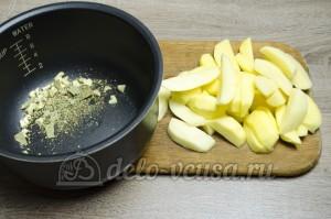 Картошка в мультиварке: Почистить и порезать картошку
