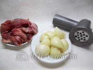 Чебуреки с мясом: Подготовить ингредиенты для начинки