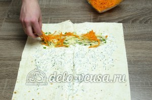 Шаурма в домашних условиях: Кладем на лаваш морковь