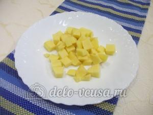 Уха из хребтов семги: Подготовить картошку