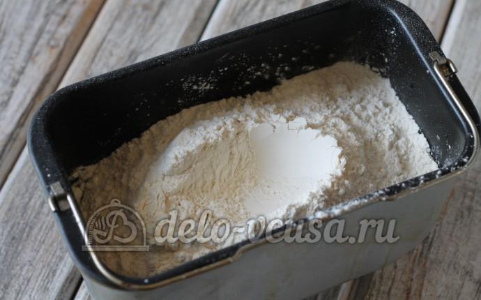 Пшеничный хлеб в духовке: Добавить муку