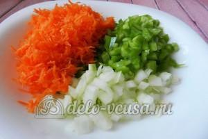 Суп с сырными шариками: Подготовить овощи