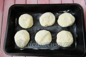 Творожные булочки: Отправить булочки в духовку