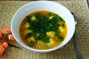 Суп с сырными шариками: Добавить зелень