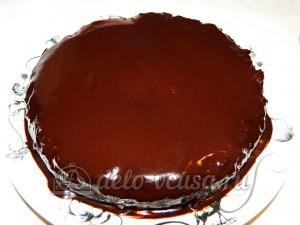 Торт без выпечки с кешью-кремом: Покрываем торт глазурью