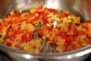Лазанья: Обжарить овощи