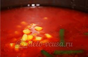Мексиканский суп в мультиварке: Добавляем фасоль и кукурузу