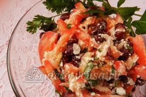 Салат с фасолью и помидорами: Сервируем по вкусу