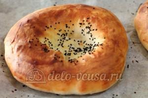 Узбекские лепешки: Выпекать 25 минут