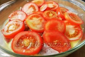 Свинина с овощами в духовке: Помидоры кладем на мясо