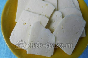 Баклажаны в духовке веером: Твердый сыр порезать
